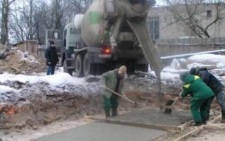 Что добавляют в бетон при морозе?