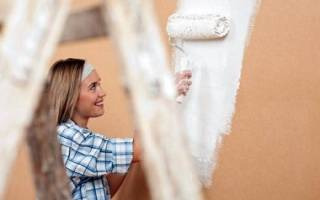 Как красить стены водоэмульсионной краской без разводов?