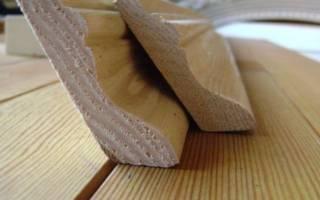 Как стыковать деревянный плинтус в углах?