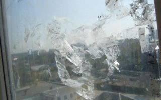 Как снять пленку со стекла окна?