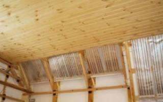Как правильно крепить вагонку на потолок?