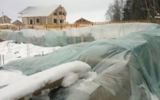 Как защитить фундамент на зиму?