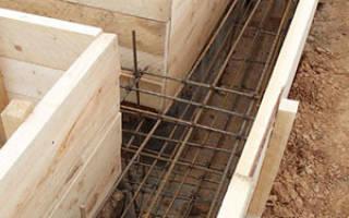 Как уложить арматуру в ленточный фундамент?