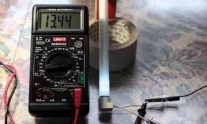 Как проверить люминесцентную лампу мультиметром?