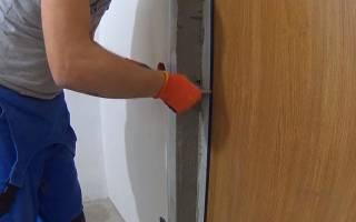 Как выровнять дверной проем штукатуркой?