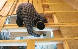 Как правильно утеплить потолок в деревянном доме?