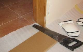 Как стелить ламинат в дверном проеме?