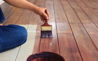 Как красить полы из дерева?