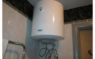 Как повесить водонагреватель в туалете?