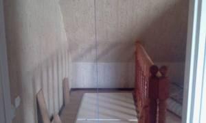 Как утеплить лестничный проем на второй этаж?