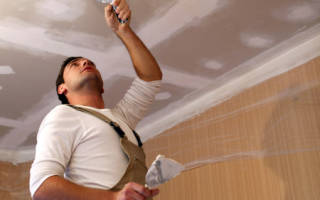 Что сначала делают натяжной потолок или ламинат?
